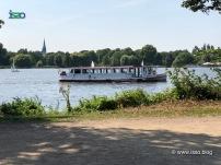 Die Saselbek, eine der Fähren auf der Außenalster.